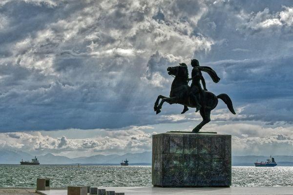 פסלו של אלכסנדר מוקדון (צילום: Herbert Frank)