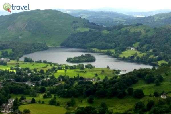 אי קטן בלב האגם (צילום: נטע קלימי עילם)