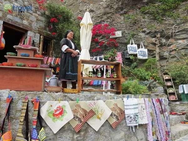 חנות מזכרות בכפר אולימפוס, קרפאתוס  (צילום: כרמית וייס)
