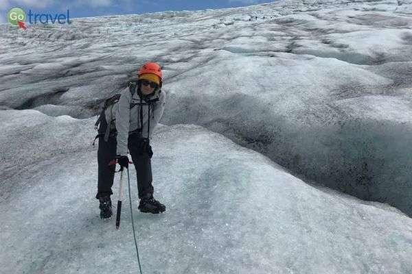 זהירות רק לא ליפול מקצה הקרחון! (צילום: נטע טרגל שמואלי)
