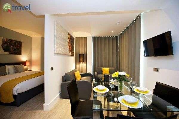 חדר מעוצב בחכמה בבית המלון סטייסיטי אפרטהולס  (צילום באדיבות  סטייסיטי אפרטהולס)