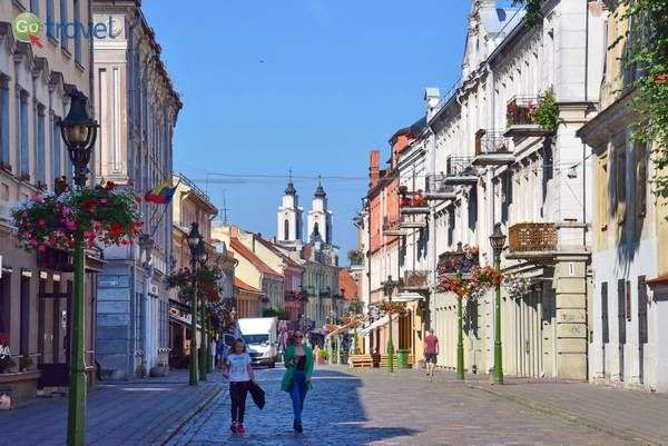 המדרחוב החוצה את העיר העתיקה   (צילום: כרמית וייס)