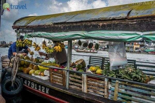 צבעוניותו של השוק על הנהר (צילום: rjabalosIII)