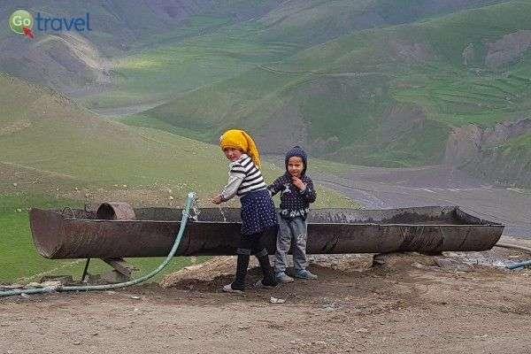 משחקי ילדות באזרבייג'ן (צילום: נעם סלע)