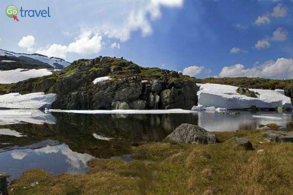 קרחונים ונופי ירח (צילום: נורית פרח)