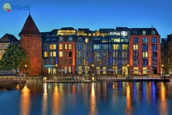 מלון הילטון גדנסק לגדות הנהר