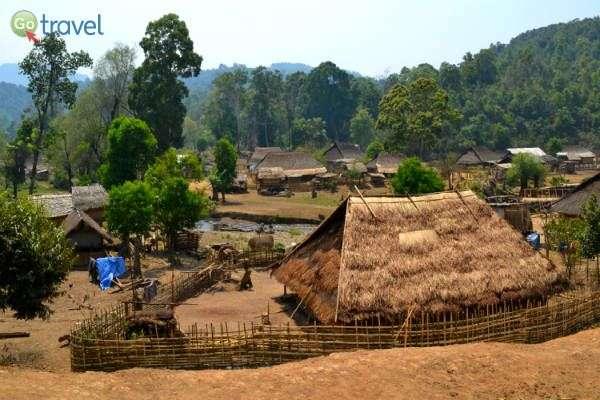 כפר שבטי בלב ההרים -שמורת לואנג נמטה (צילום: ליאור מורג)