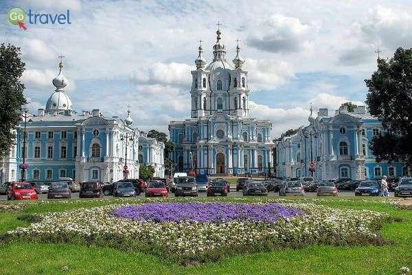 בנייה טיפוסית של מוסדות ציבור בסנט פטרסבורג (צילום: Alexxx Malev)