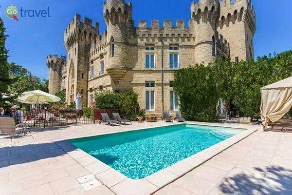 הטירה של פין-רוש   (צילום: Château des Fines Roche)