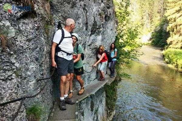 קצת אומץ לא יזיק... מסלול רגלי בסלובקיה  (באדיבות: MEDRAFT)