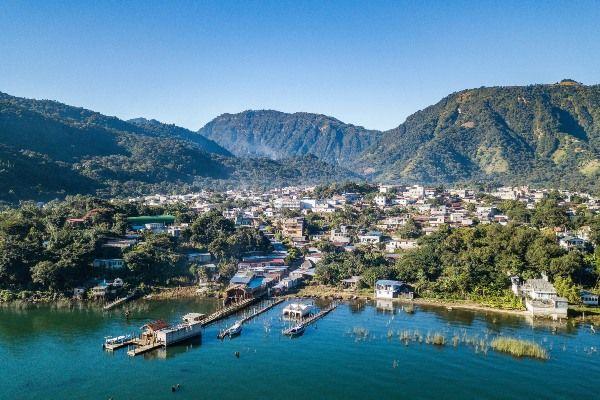 מבט מלמעלה על העיירה סן חואן לה לגונה (צילום: Toby Argüelles)