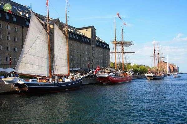 ספינות בנמל  (Admiral Hotel Copenhagen)