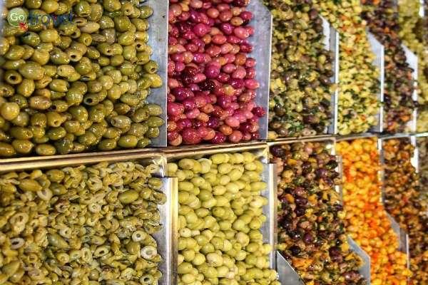 צבעוניות ממכרת! השוק במקנס (צילום: קובי יפרח)