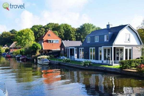 בתים על המים לכל אורך המסלול  (צילום: כרמית וייס)