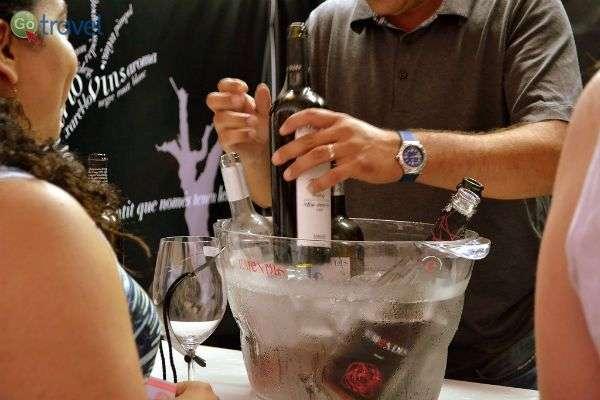 טעימות בפסטיבל היין והג'אז  (צילום: Angela Llop)