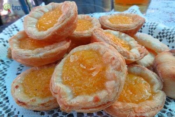 מאפה מקומי מתוק מתוק וטעים (צילום: ירדן גור)
