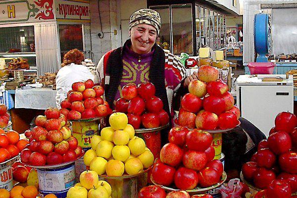 """אלמטי - """"אב התפוחים"""" (צילום: Torekhan Sarmanov)"""