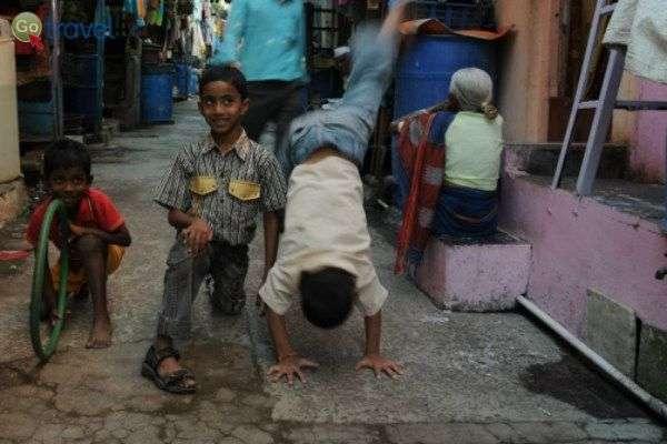 ילדים הודים - חסרי כל ומאושרים (צילום יותם יעקבסון)