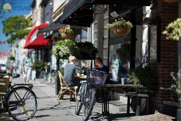 אין כמו עצירת קפה רגוע בטיול אופניים עירוני (צילום: Photopop)