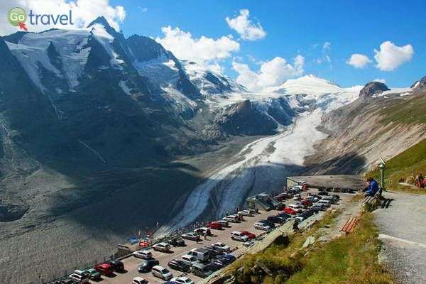 תצפית על קרחון גרוסגלוקנר בטירול האוסטרי  (צילום: Cristian Bortes)
