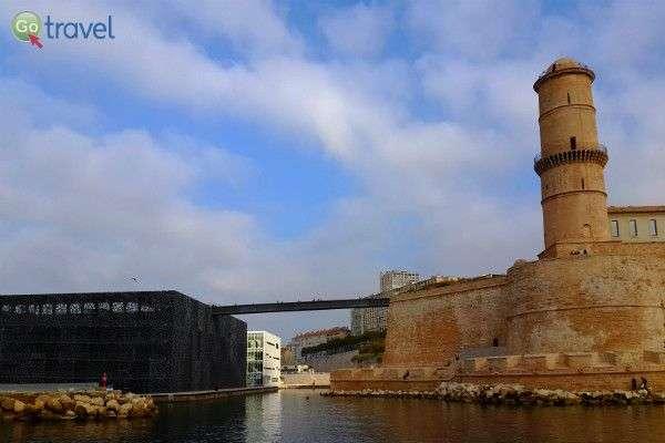 המבצר הישן והמוזיאון החדש במרסיי  (צילום: יעל הרמלין)