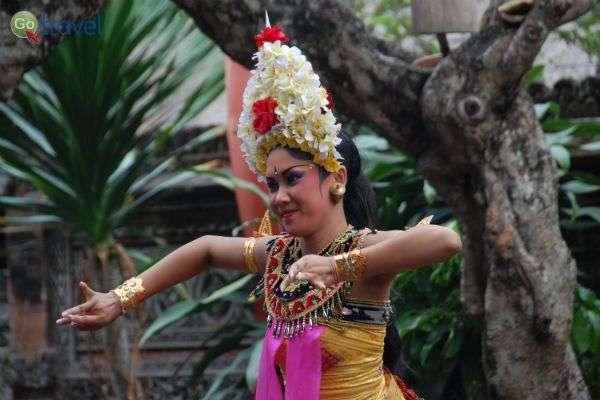 מופע ריקוד באינדונזיה (צילום: גולן לובנוב)