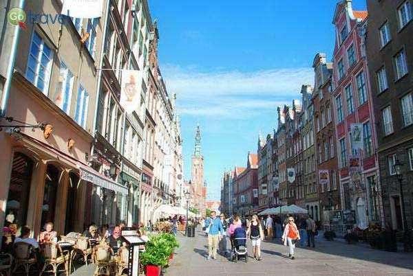 הרחוב הראשי בעיר העתיקה של גדנסק  (צילום: כרמית וייס)