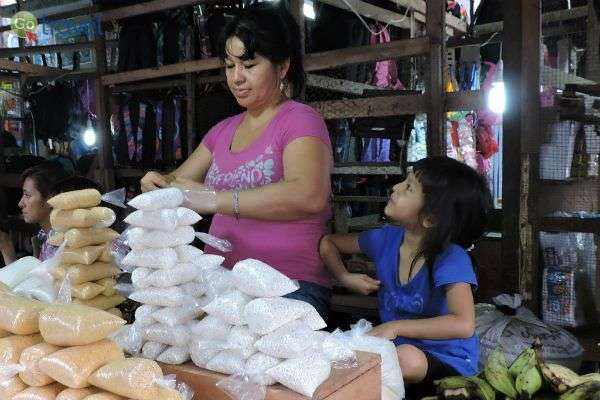 קמח התירס הוא אחד מרכיביו הבסיסיים של המטבח הפרואני (צילום: Alan Kotok)