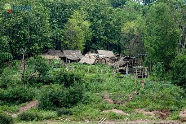 רוב התושבים בלאוס חיים בכפרים (צילום: Jérémi Joslin)