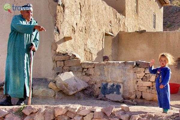 תושבי מרוקו המסורתיים חיים במגורים רב דוריים (צילום: קובי יפרח)