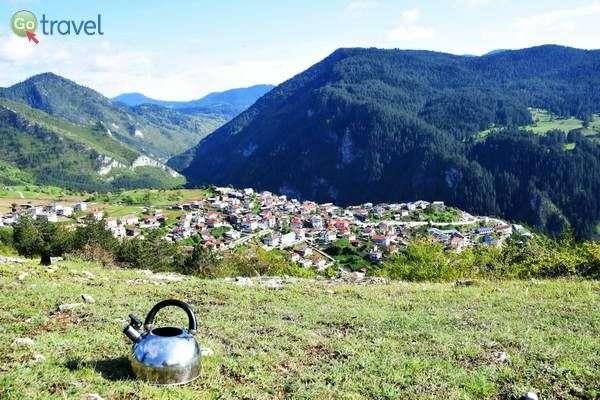 נקודת תצפית, תה וקפה מעל הכפר טריגרד  (צילום: כרמית וייס)
