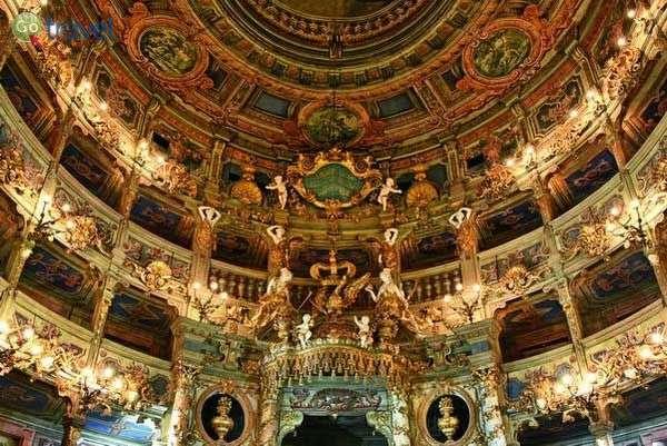 האופרה של המרקיזה בעיר ביירוית  (צילום: Bayreuth Tourismus)
