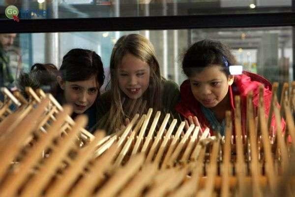 גלריות האמנות בלונדון מצליחות לדבר אל הקהל הצעיר (צילום:)