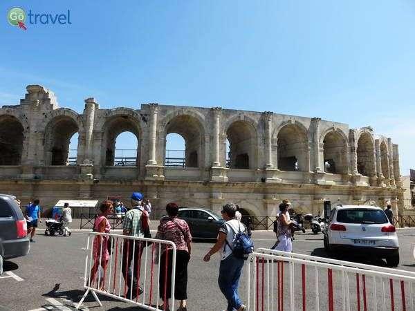 התיאטרון הרומי בארל    (צילום: שלמה צדקיהו)