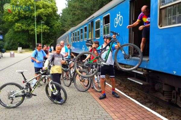 קרון האופניים הייעודי בהונגריה (צילום: אורי קדמון)