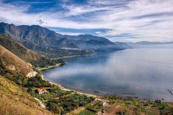 אגם אטיטלן – אחד האגמים היפים בעולם (צילום: JancickaL)