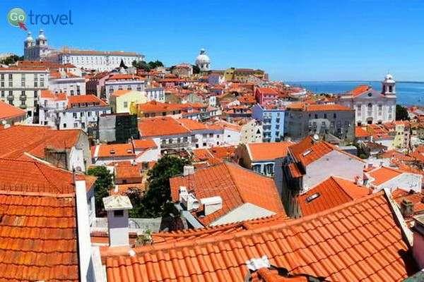תצפית על הרובע העתיק של ליסבון (צילום: כרמית וייס)