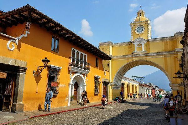 העיר ההיסטורית אנטיגואה, אחד המקומות שילדים נהנים מהם במיוחד (צילום: Victor Hugo Cardenas)