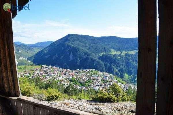 תצפית על הכפר טריגרד  (צילום: כרמית וייס)