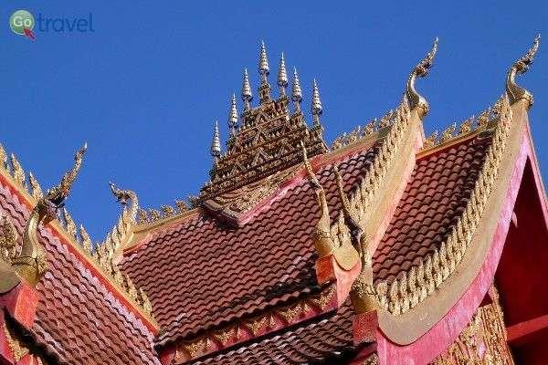 גגו הייחודי של מקדש ואט יסקט, ויינטיאן (צילום: Rob Young)