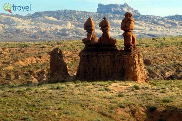 """הגובלינים שהפכו לסמל של הפארק, מזדקפים ו""""שומרים"""" עליו (צילום: נטע קלימי-עילם)"""