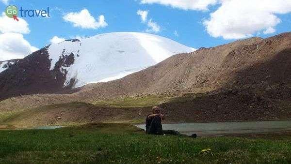 נופי ההרים של קירגיזסטן (צילום: צביקה אמדור)