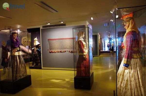 אמנות האריגה במוזיאון השטיחים  (צילום: Sek Keung Lo)