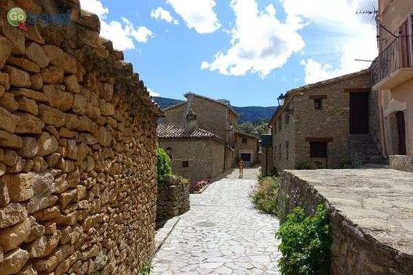 סמטאות העיירה רודיאר (צילום: ירדן גור)