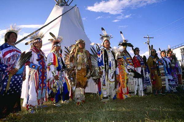 תחרות ריקודי  Pow Wow  (צילום: Larry Rana)