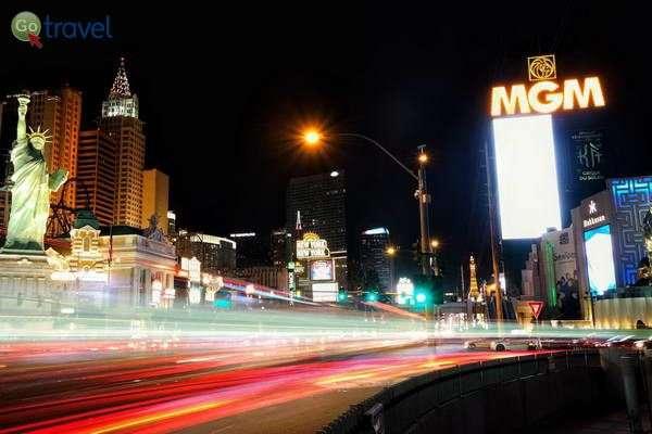 הסטריפ של לאס וגאס - מלון MGM ומלון ניו יורק-ניו יורק
