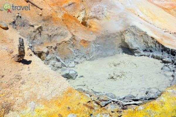 בוץ מבעבע ממעמקים מרמז מה שוכן מתחתינו (צילום: נטע קלימי עילם)