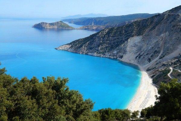 חוף מירטוס בו צולמו סצינות בסרט המנדולינה של קפטן קורלי (צילום: georgker)