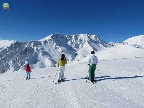 מסלולי סקי מתונים ורחבים למתחילים (צילום: כרמית וייס)