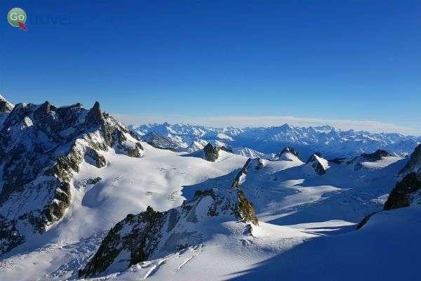 העיירה שאמוני - במסלול אל הקרחון (צילום: נטע קלימי עילם)